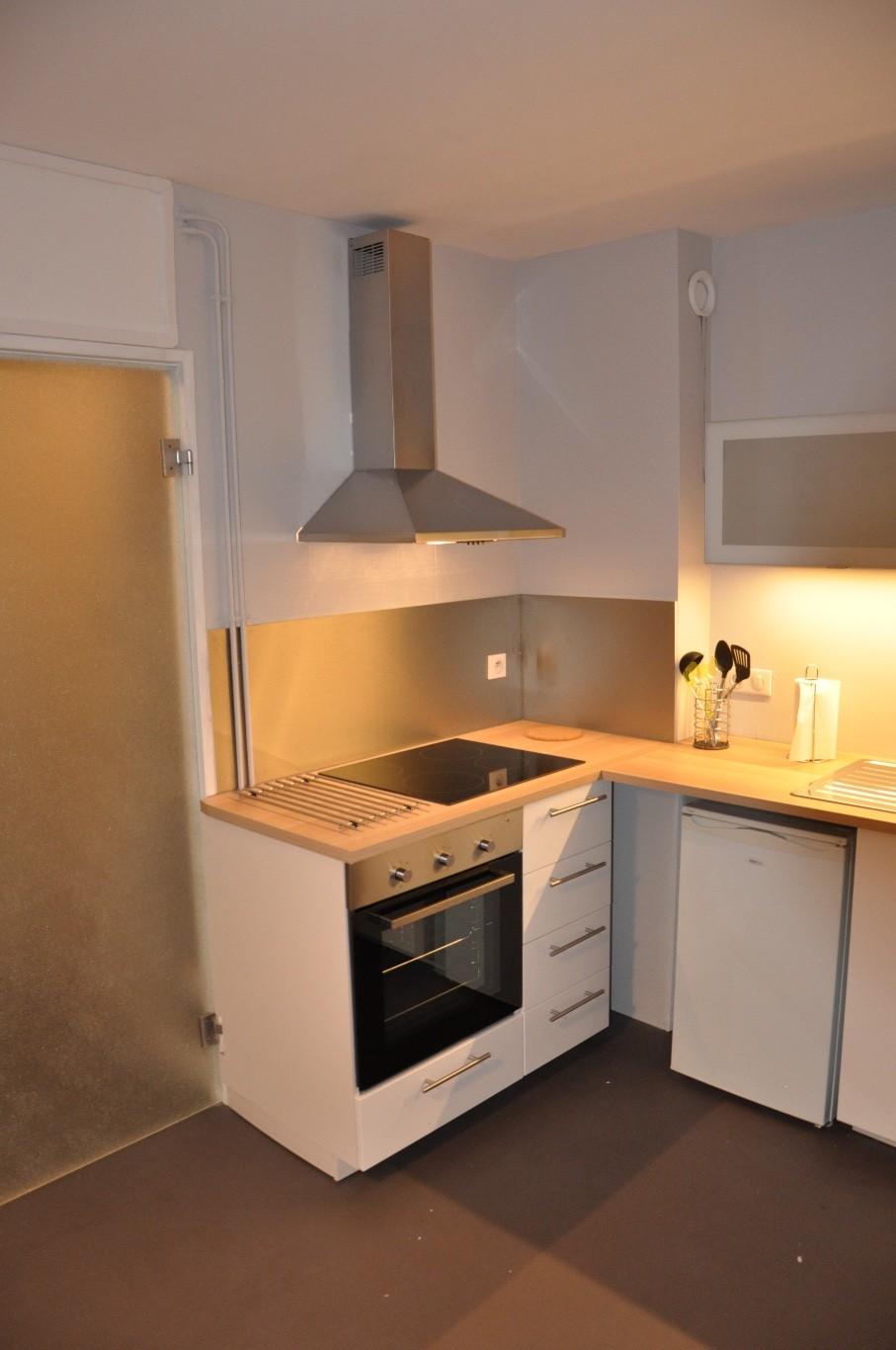 dijon centre ville cole de commerce location appartement 2 pi ces 33m2 620 cc r f 17. Black Bedroom Furniture Sets. Home Design Ideas