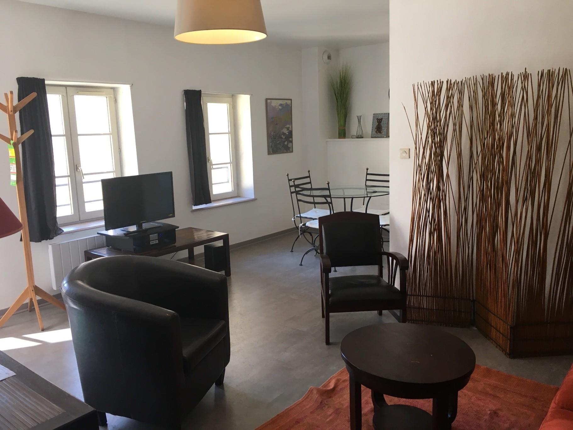 Dijon centre ville location appartement 2 pi ces 45m2 for Chambre a louer dijon